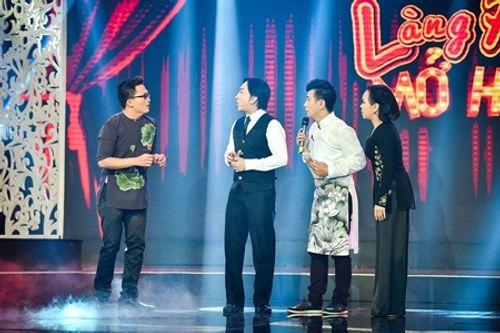 Việt Hương bị Đại Nghĩa kéo lê trên sân khấu vì sợ ma - Ảnh 1