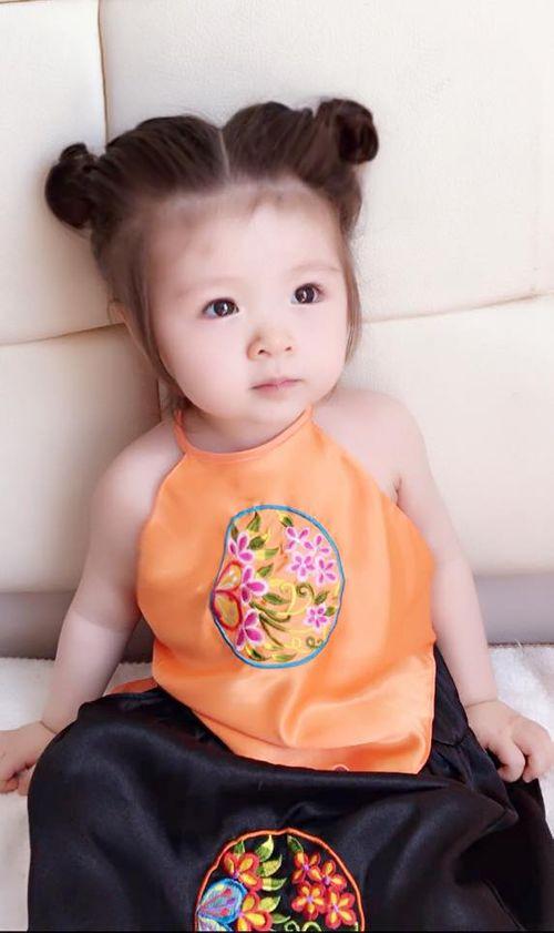 """Con gái Elly Trần xấu hổ khi bị mẹ """"bắt"""" làm Thị Nở - Ảnh 7"""