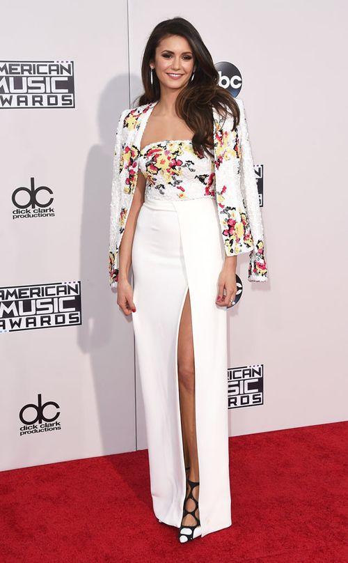 """Selena Gomez già chát, ca sĩ """"See You Again"""" hôn bạn diễn trên sân khấu - Ảnh 9"""