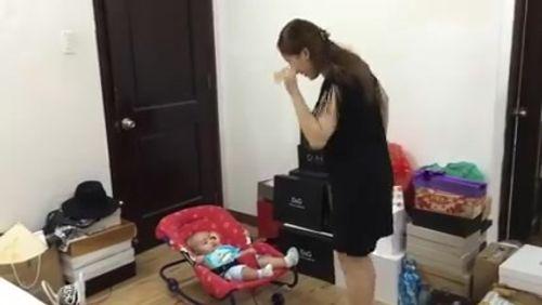 """Clip: Khánh Thi từ """"nữ hoàng dancesport"""" tới """"mẫu hậu khùng"""" - Ảnh 1"""