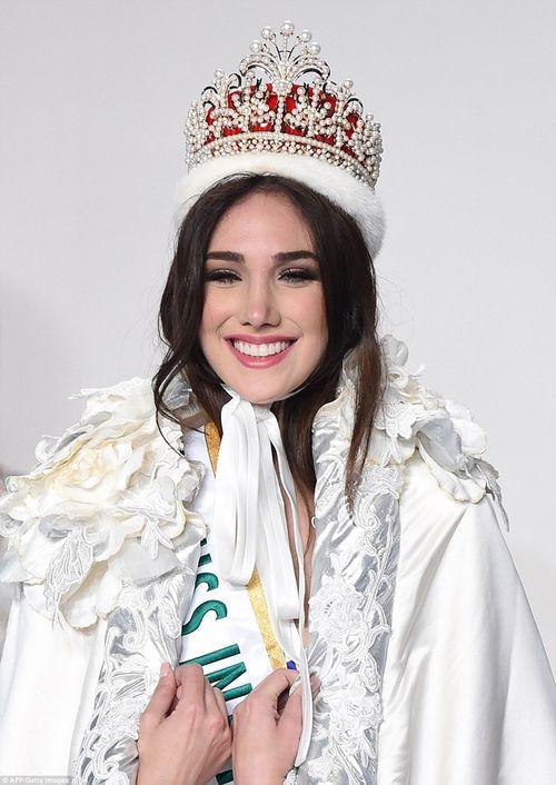 Vẻ đẹp tuyệt sắc của tân Hoa hậu Quốc tế 2015 Edymar Martinez - Ảnh 3