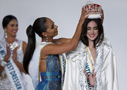 Vẻ đẹp tuyệt sắc của tân Hoa hậu Quốc tế 2015 Edymar Martinez - Ảnh 2