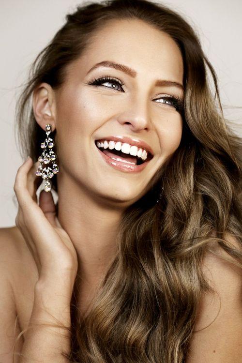 Tước vương miện của Hoa hậu Hòa bình Quốc tế 2015 - Ảnh 2