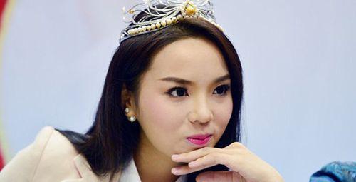 Cư dân mạng bức xúc đòi tước vương miện Hoa hậu Kỳ Duyên sau clip hút thuốc - Ảnh 2