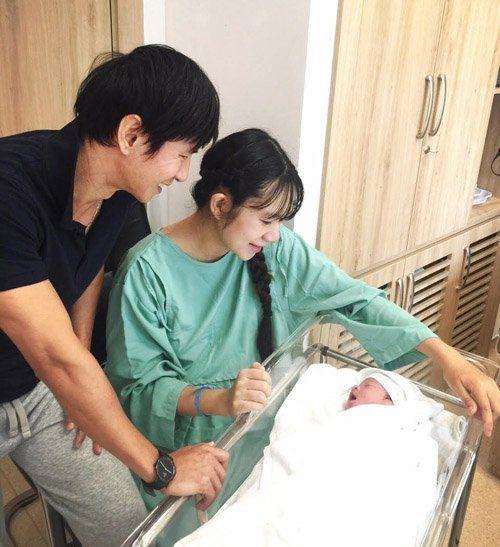 Gia đình Lý Hải - Minh Hà chào đón quý tử thứ 4 - Ảnh 2