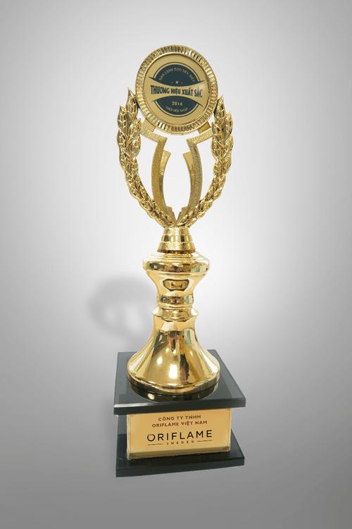 Oriflame được trao giải thương hiệu xuất sắc 2016 - Ảnh 1
