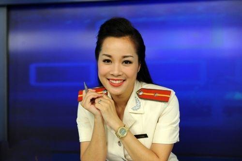 """Diễn viên, MC Minh Hương: """"Tôi chọn cho mình cuộc sống an nhiên như thế"""" - Ảnh 1"""