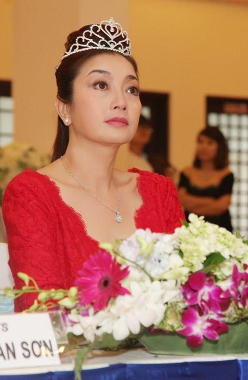 4 Hoa hậu đợi mãi vẫn chưa có người kế nhiệm - Ảnh 4