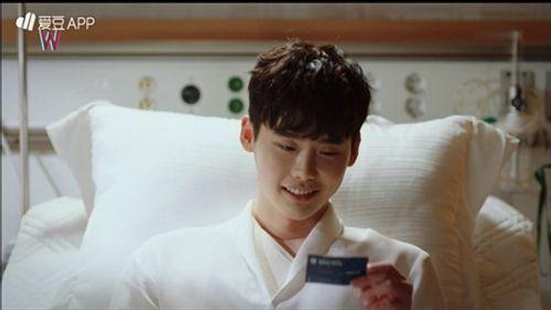 """""""W - Hai thế giới"""" tập 1: Lee Jong Suk đưa tay kéo Han Hyo Joo vào truyện tranh - Ảnh 4"""