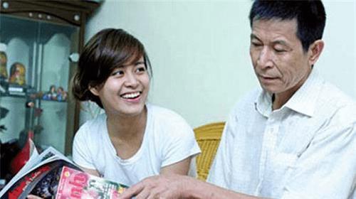 Muốn giúp con, bố mẹ Kỳ Duyên hãy học gia đình Hoàng Thùy Linh - Ảnh 2