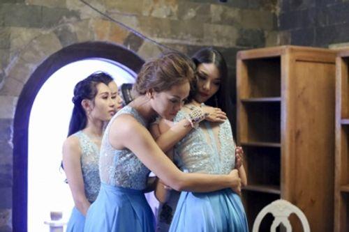 The Face: Phạm Hương và 3 lần loại thí sinh team Lan Khuê - Ảnh 3