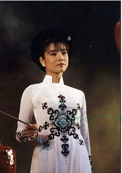 Cuộc đời của diễn viên 44 tuổi có đôi mắt đẹp nhất Việt Nam - Ảnh 8
