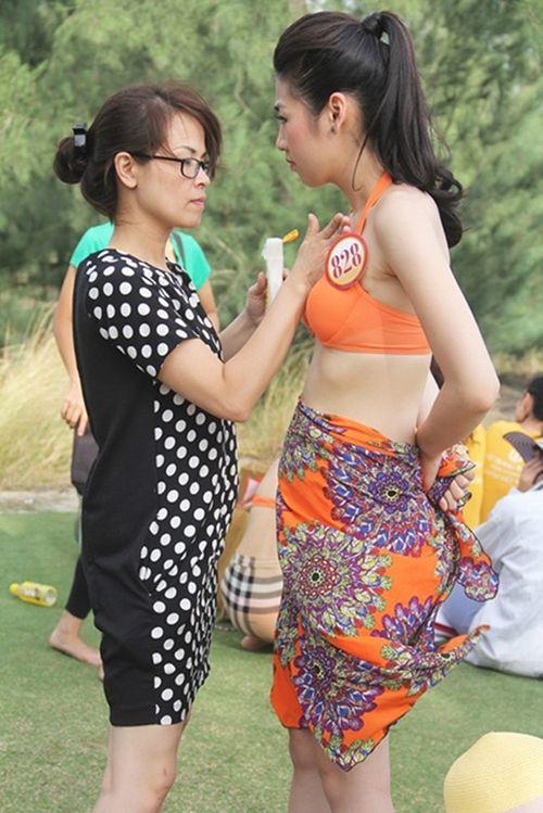 """Mẹ Á hậu Tú Anh: """"Cám dỗ nhiều lắm, tôi không thể cấm con..."""" - Ảnh 2"""