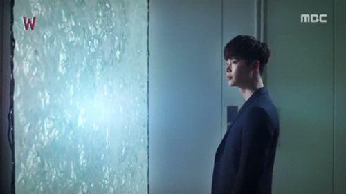 """""""W - Hai thế giới"""" tập 4: Lee Jong Suk bước ra khỏi truyện tranh - Ảnh 8"""
