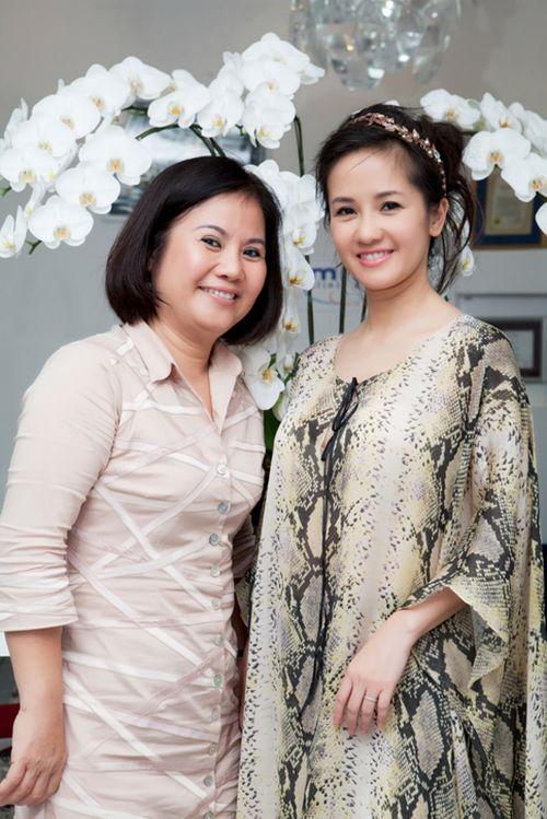 Chân dung người mẹ kế đặc biệt của Diva Hồng Nhung - Ảnh 1