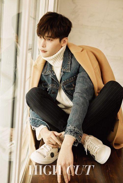 """Lee Jong Suk tiết lộ bí quyết làm nên """"nụ hôn còng tay thần thánh"""" - Ảnh 2"""