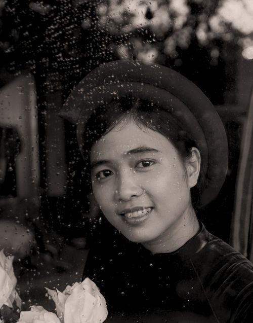 Nhà thơ Ly Hoàng Ly: Từ chối giải thưởng vì mong muốn sáng tạo là vô hạn - Ảnh 1