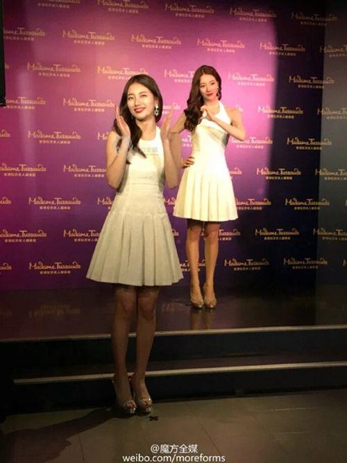 Suzy chụp hình cùng tượng sáp giống nhau như hai giọt nước - Ảnh 5