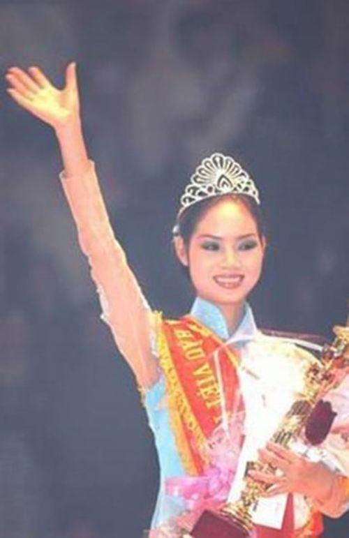 Góc khuất đằng sau ánh hào quang của Tân Hoa hậu sau đêm đăng quang - Ảnh 10