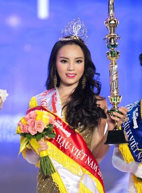 Góc khuất đằng sau ánh hào quang của Tân Hoa hậu sau đêm đăng quang - Ảnh 4