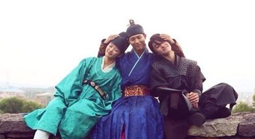 """IU và Kim Yoo Jung bị khán giả phàn nàn vì lỗi make up """"đi xa thời đại""""  - Ảnh 8"""