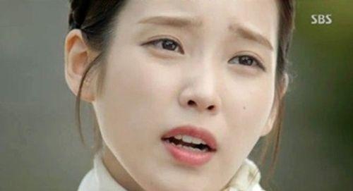 """IU và Kim Yoo Jung bị khán giả phàn nàn vì lỗi make up """"đi xa thời đại""""  - Ảnh 4"""
