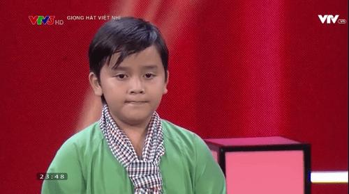 """Giọng hát Việt Nhí 2016 vòng Đối đầu tập 2: """"Cậu bé dân ca"""" Thụy Bình đi tiếp - Ảnh 18"""