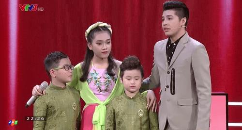 """Giọng hát Việt Nhí 2016 vòng Đối đầu tập 2: """"Cậu bé dân ca"""" Thụy Bình đi tiếp - Ảnh 6"""