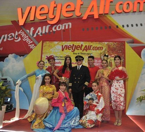 Vietjet nổi bật tại Hội chợ du lịch quốc tế TP.HCM 2016 - Ảnh 5