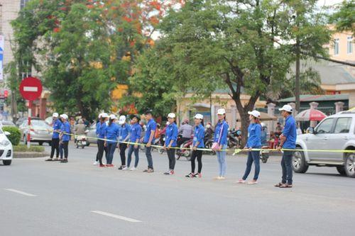 Sinh viên Lào, Thái Lan tiếp sức mùa thi tại Nghệ An - Ảnh 8