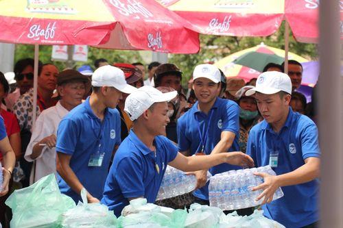 Sinh viên Lào, Thái Lan tiếp sức mùa thi tại Nghệ An - Ảnh 6