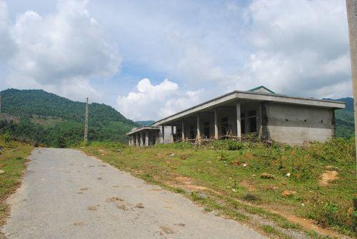 Dự án chậm 5 năm, dân làng chài sông Lam ngắc ngoải chờ lên bờ - Ảnh 1