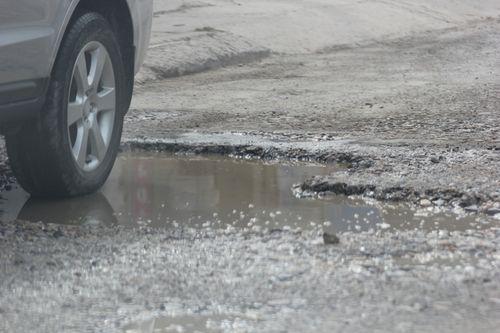 Dân kêu khổ vì xe phục vụ dự án quốc lộ mới phá nát quốc lộ cũ - Ảnh 5
