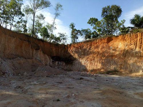 Dân kêu vì dự án thủy lợi Ngàn Trươi-Cẩm Trang đào xới nham nhở - Ảnh 1