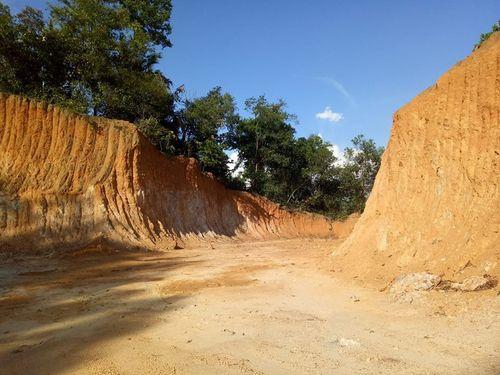 Dân kêu vì dự án thủy lợi Ngàn Trươi-Cẩm Trang đào xới nham nhở - Ảnh 2