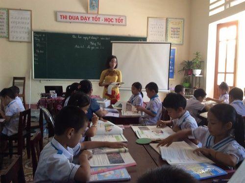 """Hà Tĩnh: Phụ huynh ủng hộ bỏ mô hình trường """"học sinh tự quản"""" - Ảnh 1"""