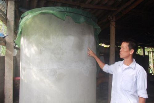 Công an truy tìm thủ phạm đổ thuốc trừ sâu vào bể nước một hộ dân - Ảnh 1
