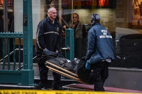 Mỹ: Nổ súng ngay tại trung tâm New York, 3 người thương vong - Ảnh 2