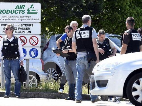 Pháp bắt giữ đối tượng âm mưu tấn công căn cứ Hải quân Toulon - Ảnh 1