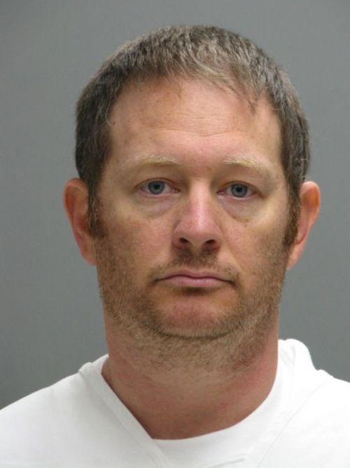 Mật vụ Mỹ bị bắt vì gửi ảnh khiêu dâm cho trẻ em - Ảnh 1
