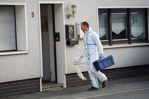 Đức: Kinh hoàng phát hiện thi thể của 7 trẻ em trong một căn hộ - Ảnh 1