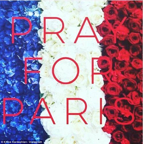 Vụ khủng bố ở Paris: Cả thế giới cầu nguyện cho nước Pháp - Ảnh 10