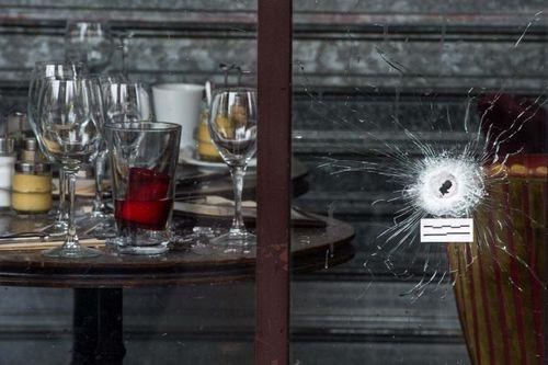 Vụ khủng bố Paris: Bắt giam bố và anh trai của một nghi phạm - Ảnh 2