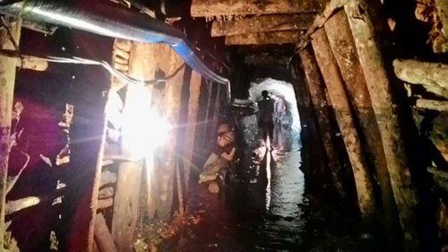 Cận cảnh hiện trường vụ sập hầm khai thác than tại Hòa Bình - Ảnh 1