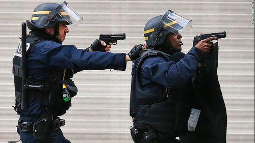 Vụ khủng bố Paris: Nghi phạm chủ mưu có thể đã chết - Ảnh 2