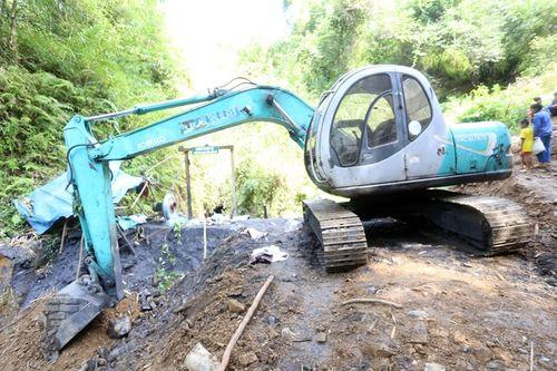 Vụ sập mỏ than ở Hòa Bình: Vị trí tìm kiếm còn cách nạn nhân khoảng 40m - Ảnh 8