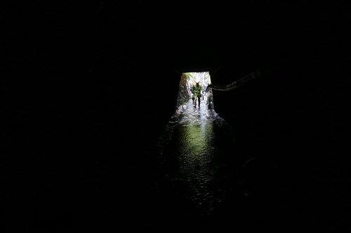 Vụ sập mỏ than ở Hòa Bình: Vị trí tìm kiếm còn cách nạn nhân khoảng 40m - Ảnh 2