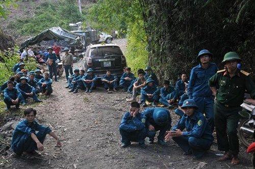 Vụ sập mỏ than ở Hòa Bình: Vị trí tìm kiếm còn cách nạn nhân khoảng 40m - Ảnh 3