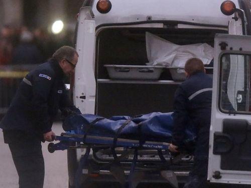 Vụ khủng bố Paris: Danh tính người phụ nữ đánh bom tự sát - Ảnh 1