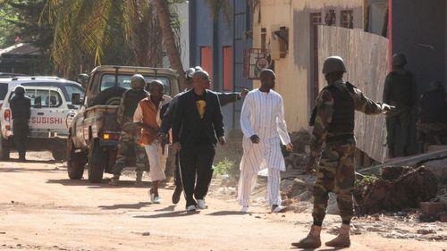 Vụ khủng bố khách sạn Mali: Chính phủ tuyên bố để Quốc tang 3 ngày - Ảnh 1